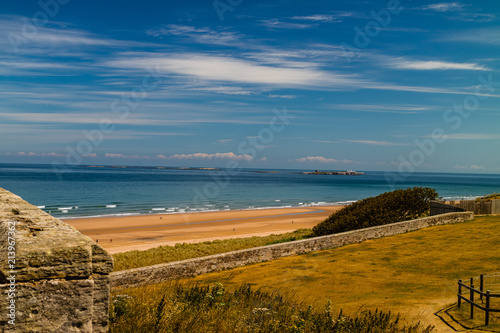 Foto Murales Bamburgh beach viewed from the castle