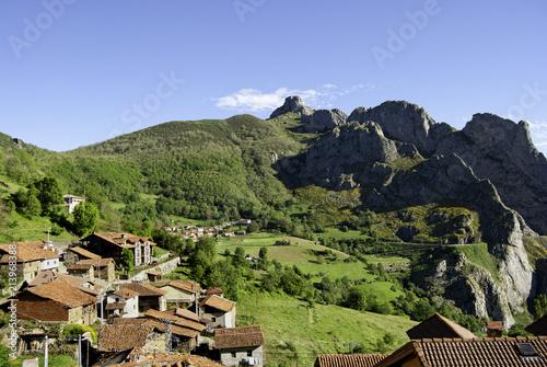 Foto Murales Pueblo montaña