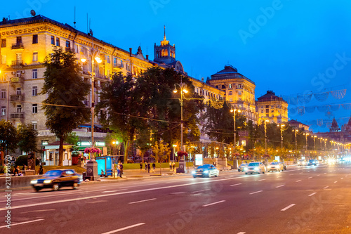 Canvas Kiev Traffic central Khreshchatyk street, Kiev
