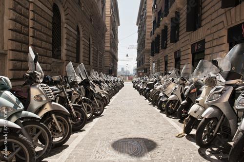 Fotobehang Napels Motorradparkplatz Nähe Via Medina, Neapel, Napoli, Kampanien, Campagna, Italien, Italia