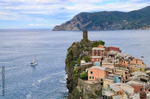 In de dag Liguria Vernazza, otro ángulo