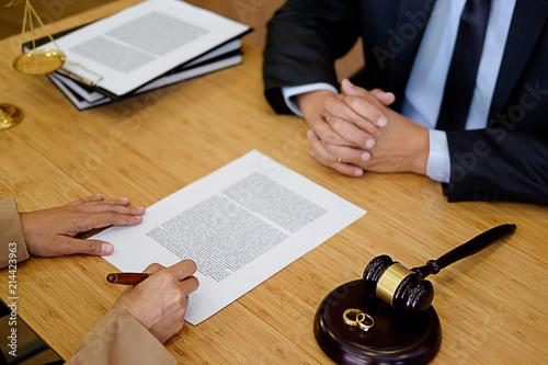 judge signed divorce papers