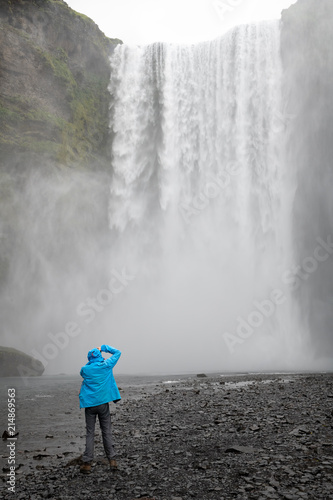 Foto Murales The famous Skogarfoss waterfall in the south of Iceland.