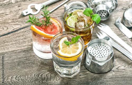 Leinwanddruck Bild Summer fruit drinks lemonade mint leaves ice Cocktail