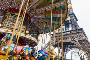 Carrousel and the Tour Eiffel at the end of winter