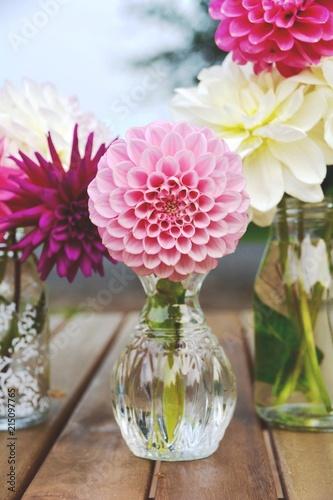 Leinwanddruck Bild Blumenstrauß - Dahlien
