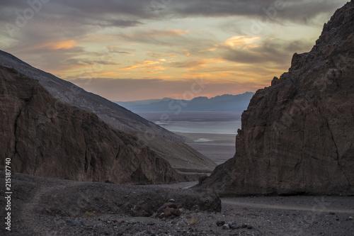 Fotobehang Grijze traf. Death Valley dry lake at sunset