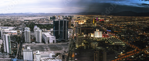 Las Vegas split between day and night - 215188131
