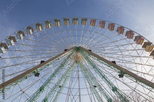 Canvas Amusementspark Riesenrad detail Panorama mit blauem Himmel