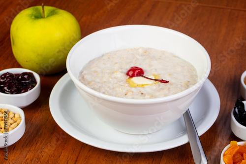 Foto Spatwand Kersen Delicious oatmeal porridge