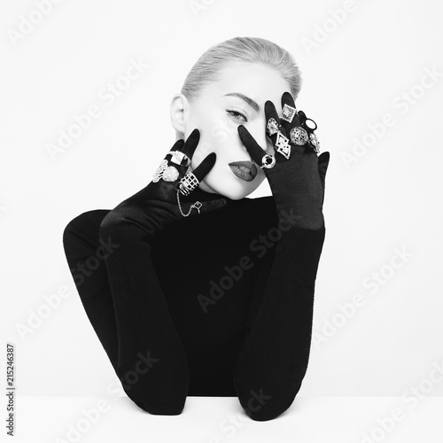 Plexiglas womenART Beautiful blonde lady with lot of precious rings