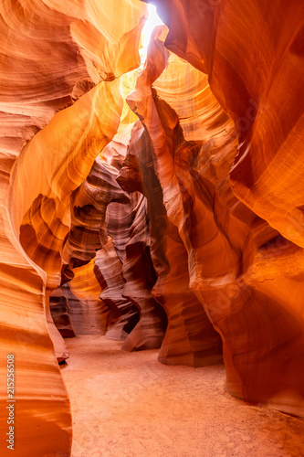Fotobehang Rood traf. Upper Antelope Canyon