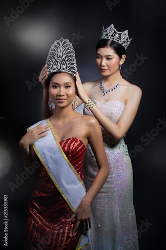 put Diamond Crown on Final Winner latest year Miss Beauty Queen Pageant