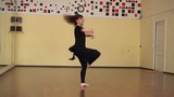 Graceful girl practicing ballet in the Studio - 215344549