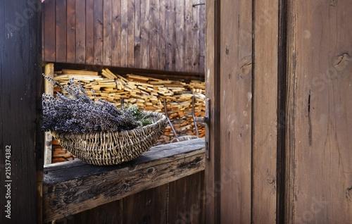 Foto Spatwand Lavendel Lavender Flowers in Wicker basket