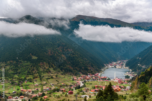 Foto Spatwand Groen blauw Uzungol lake view – TURKEY - TRABZON - Long lake - view of the mountains and lake in Trabzon