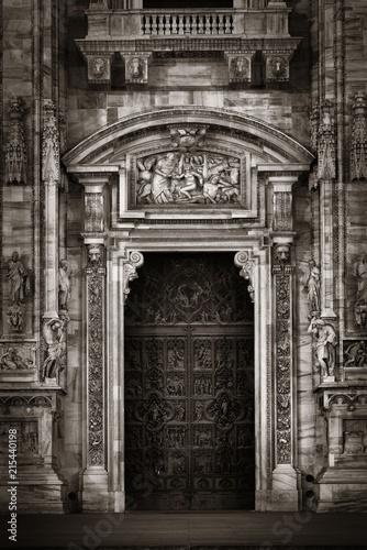 Foto Spatwand Milan Milan Cathedral door