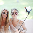 Quadro Friends taking selfie