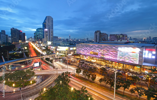 In de dag Bangkok Cityscape at twilight and Long exposure traffic light