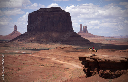 monument valley caballo