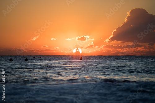 Fotobehang Zee zonsondergang morning surf