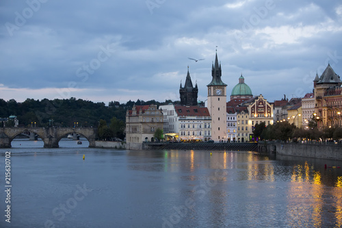 Foto Murales Prague at night with Charles Bridge(Karluv Most)  over Vltava river