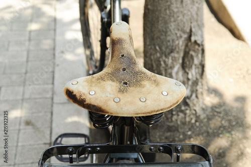 In de dag Fiets 古い自転車のサドル