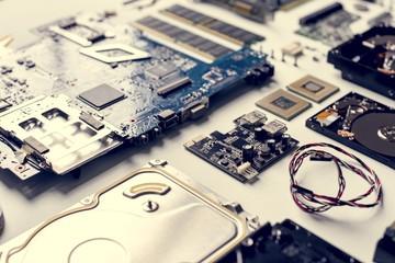 Closeup of computer hard disk drives © Rawpixel.com