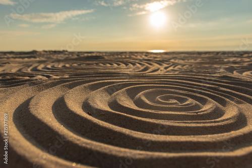 Foto Spatwand UFO Mystische Muster im Sand