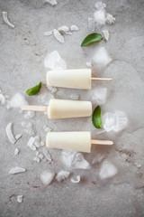 Pina colada popsicles © Kati Finell