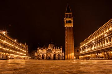 Praça de S.Marcos durante a noite, Veneza, Itália
