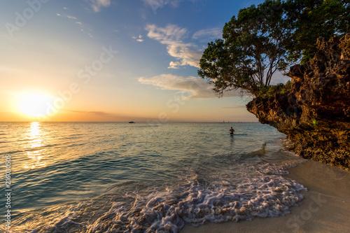 Fotobehang Zee zonsondergang Sansibar Dream Beach, Africa