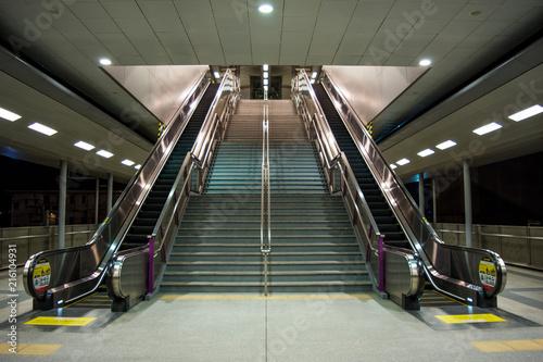 nowoczesne-schody-w-stylu-industrialnym