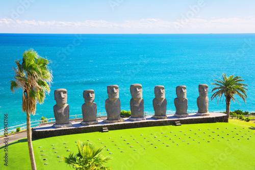 Aluminium Blauw Moai statues in Nichinan, Miyazaki, Japan