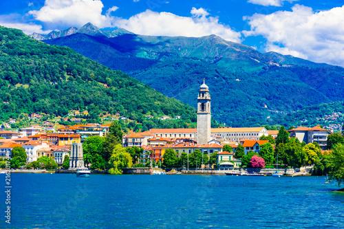Fotobehang Freesurf Scenic lake Lago Maggiore. view of charming town Pallanza. North of Italy