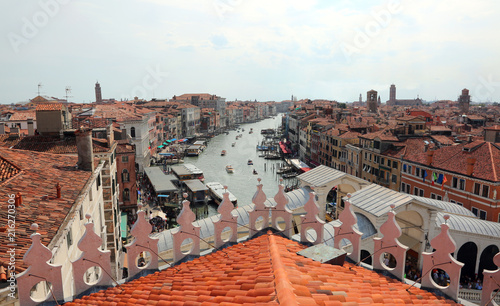 Leinwandbild Motiv venice roofs with the Rialto bridge and the ships on the Grand C