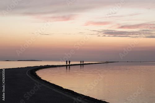 Fotobehang Zee zonsondergang West Kirby Sunset Reflection