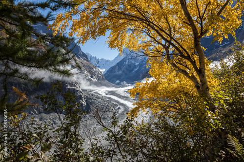 Foto Spatwand Zwart Die wunderbare Bergwelt des Wallis - Schweiz