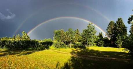 Doppelter Regenbogen Panorama © Andr