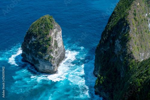 Fotobehang Bali Top view of Karang Dawa bay, Kelingking beach. Nusa Penida Island