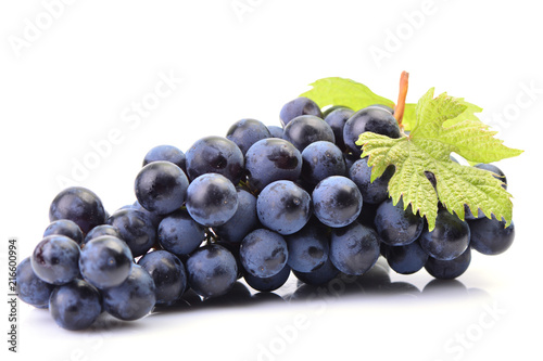 Leinwanddruck Bild Grapes on a white background