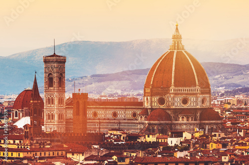 Canvas Toscane Skyline of Florence, Italy. Cathedral of Saint Mary of the Flowers at sunset.