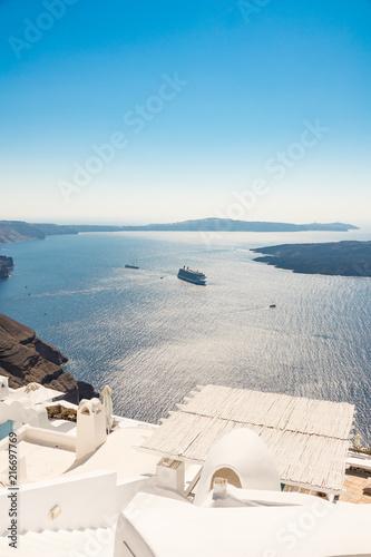 Foto Spatwand Santorini view of Santorini caldera in Greece from the coast