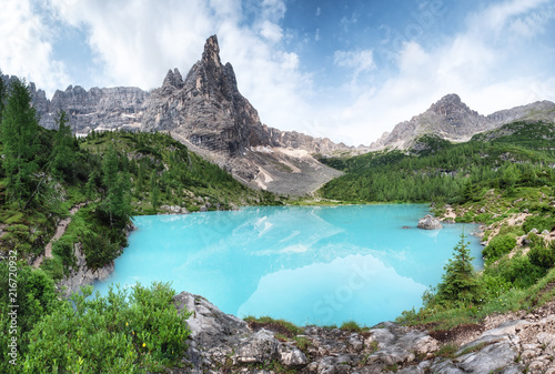 Foto Spatwand Zomer Mountains and turquoise lake in the Dolomites apls, Italy. Sorapis lake in the Italy. Beautiful landscape at the summer time