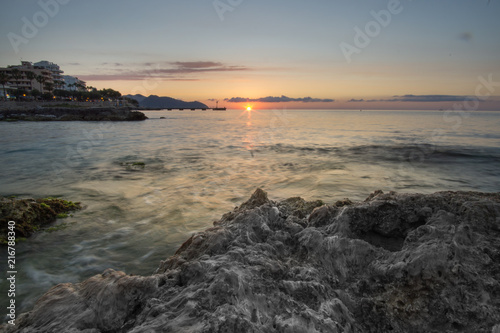 Fotobehang Zee zonsondergang Sonnenaufgang auf Mallorca 01
