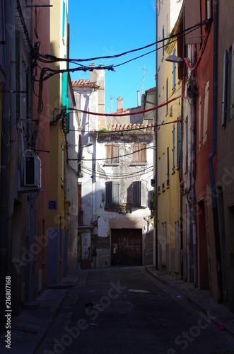 Aluminium Smalle straatjes Vieille ruelle de ville insalubre et sale