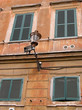 Quadro Rom, Alte Fassade mit Laterne