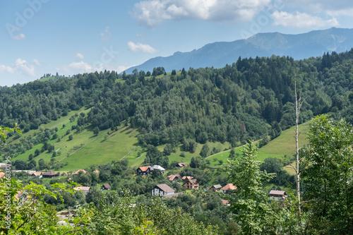 Canvas Pistache Mountain landscape and villages on the Rucar Bran corridor, in Transylvania, Romania