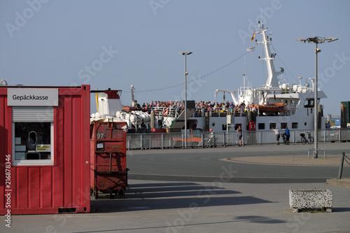 Aluminium Noordzee Urlauber und Ausflügler auf Fähre - Stockfoto