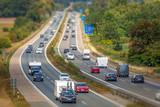 PKW Autobahn Individualverkehr Konzept Zukunft